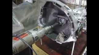 видео Замена масла в КПП на ВАЗ 2106 за 1 час