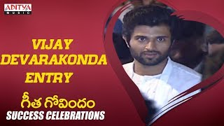 Vijay Devarakonda Entry @Geetha Govindam Success Celebrations