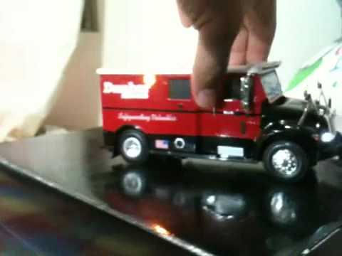 1 32 Dunbar Armored Truck With Lights And Siren Police 1