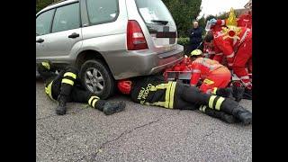 Padova, scontro auto-moto: giovane resta incastrato sotto la vettura