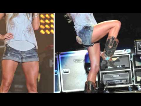 Carrie Underwood In Daisy Dukes Great Singing Voice