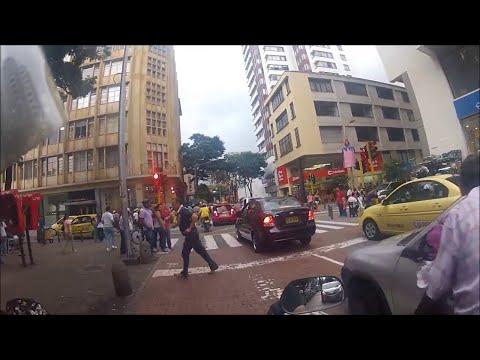 71 En Pereira Cra 8va.Tour en moto por pueblos y ciudades de Colombia.