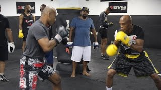 Anderson Silva Trains With 'Jacare' Souza Ahead of UFC 208