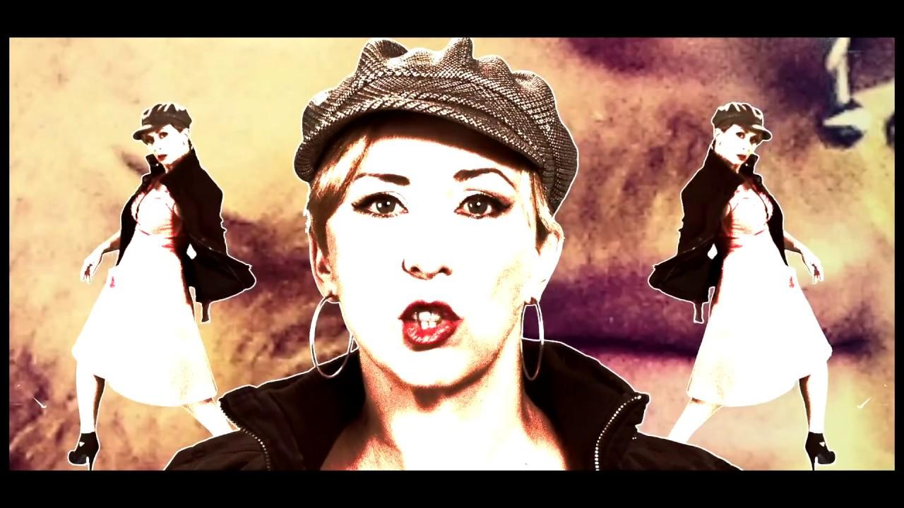 Martina Brandl - Milf Baby - Kabarettprogramm - Irgendwas mit Sex