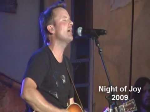 Chris Tomlin - Indescribable (Night of Joy 2009)