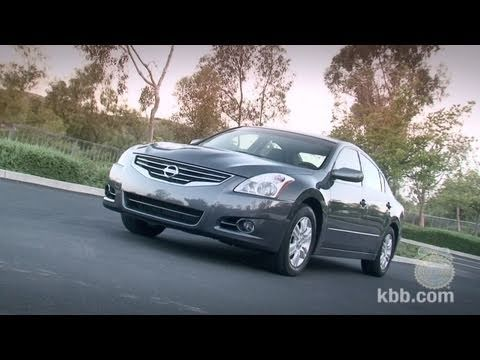 2011 Nissan Altima Review - Kelley Blue Book