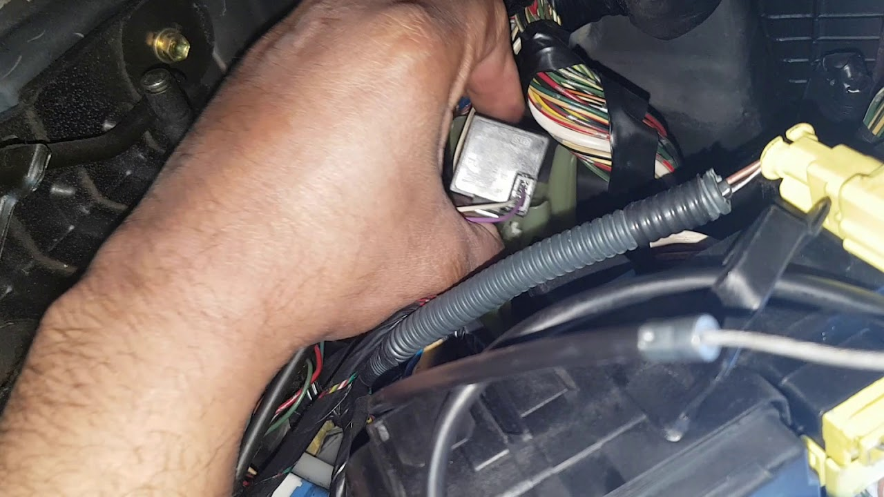 Toyota Avensis 2000 Sel Indicator Flasher Relay Location