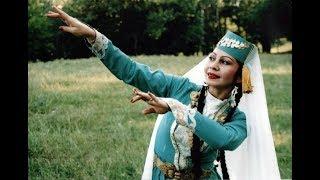 Назире Эмир мечтает вывести крымскотатарский танец на мировой уровень
