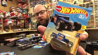 Diecast Weekly Episode 106 - Target Red Editions, Hot Wheels 2018 L Case, and opening some stuff