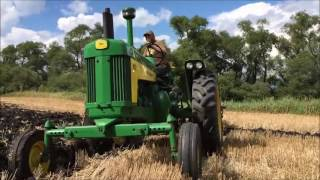 John Deere R, 630, 830 and Farmall Super M Plowing