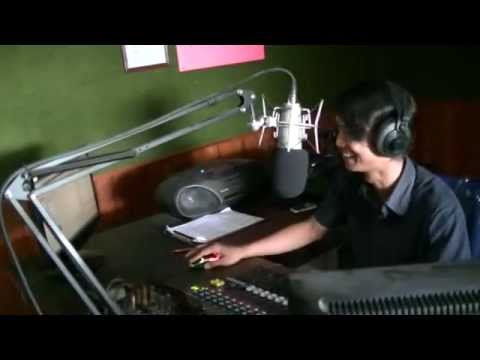 Yonie Crew Roshinta Fm Tegal Lagi Asyik On Air