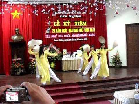 """Múa """"TRI ÂN THẦY CÔ"""" - Khoa Sư Phạm - Đại học Đà Lạt"""
