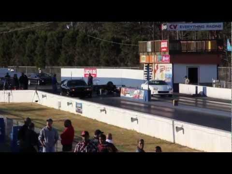 Dodge Challenger SRT8 vs Chevrolet Camaro Z28