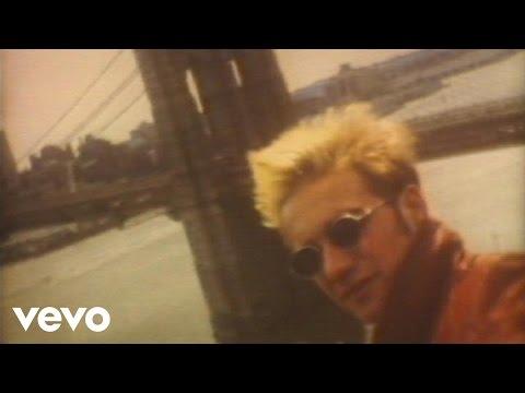 Los Fabulosos Cadillacs - Manuel Santillán, El León (Versión Reggae) (Videoclip)