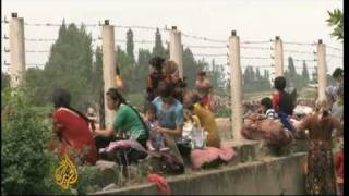 Uzbeks flee Kyrgyzstan violence