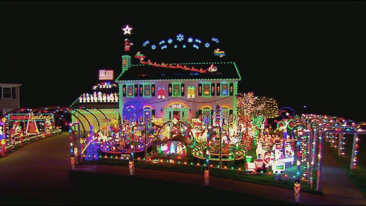 Winning Hoag Family Light Show - The Great Christmas Light Fight ...