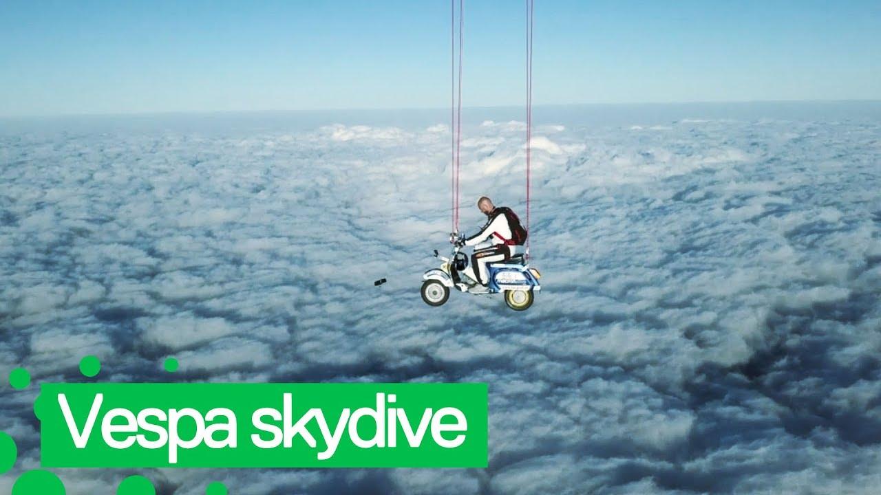 עוצר נשימה: אופנוען בצניחה 23,000 רגל מעל פני האדמה