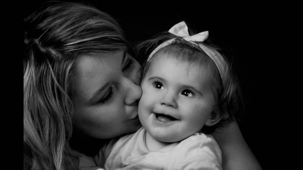 Louane 9 mois et ses parents - YouTube