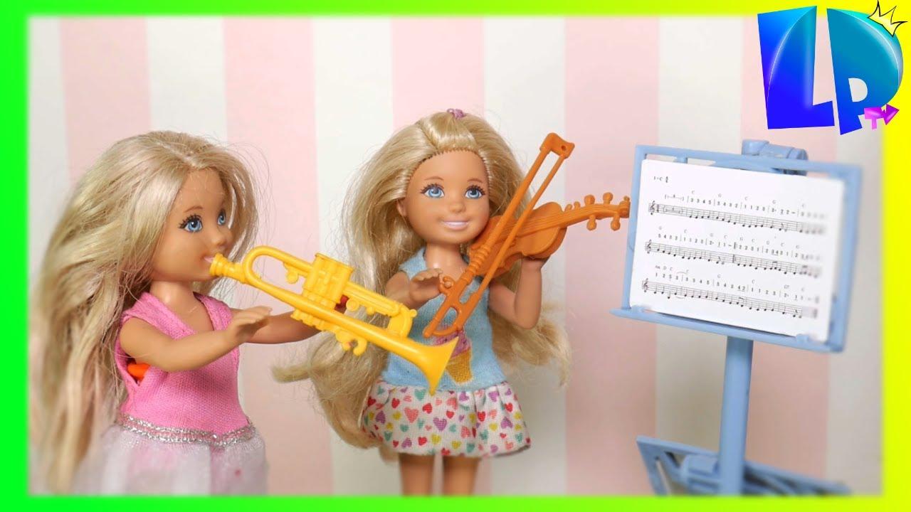 Download Rodzinka Barbie - Lekcja muzyki ! Barbie Nauczycielka Muzyki. Barbie Kariera.