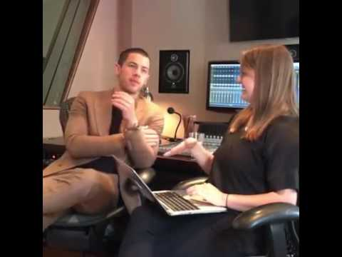 Huffington Post Entertainment Live Chat with Nick Jonas