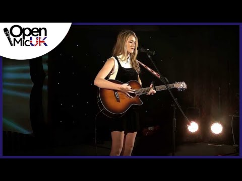 I BET YOU LOOK GOOD ON THE DANCEFLOOR - ARCTIC MONKEYS Performed By ROBYN At Open Mic UK