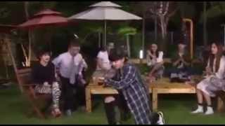 EXO Chanyeol and Park Bom Show Their Dance Moves - Roommate Unreleased Clips
