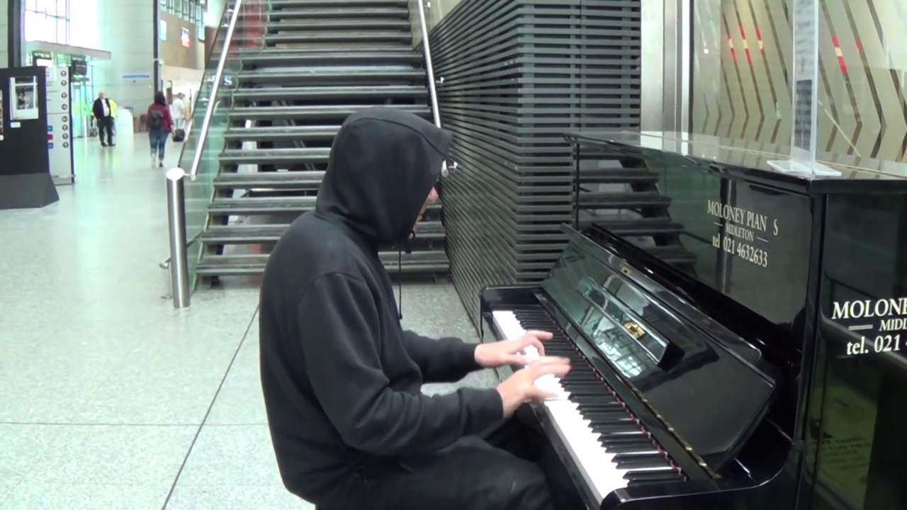 Thug Plays Astonishing Piano...Then Exits Quickly