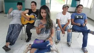 Video KESERUAN SUASANA SHOOTING AMANAH WALI SEBELUM TAKE download MP3, 3GP, MP4, WEBM, AVI, FLV Agustus 2018