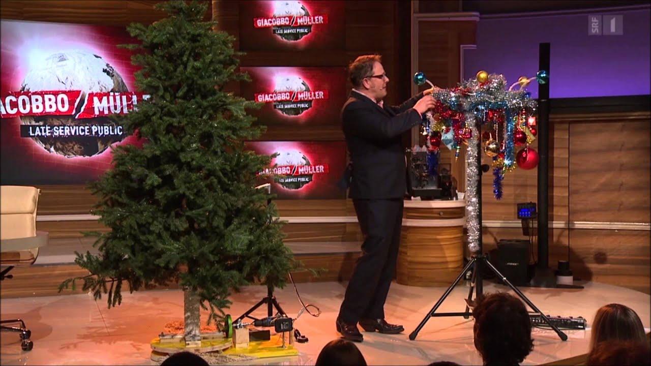 Warum Schmückt Man Den Weihnachtsbaum.Giacobbo Müller Stefan Heuss Schmückt Den Christbaum