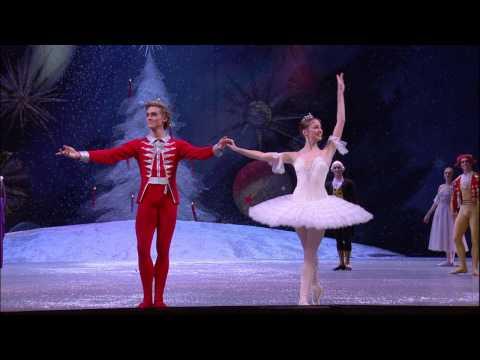 THE NUTCRACKER from Bolshoi Ballet in Cinema | In theaters Dec 18!