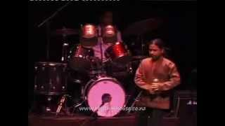 """Piya re piya re ""Kailash  Kher Amazing Live Performance  (hindi)"