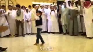 رقص و شكشكه ولد افغاني في مكة حسب الله و نعم الوكيل