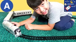 Johny Unboxes An NYC MTA Subway Train Toy  & Tracks