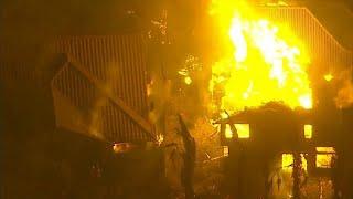 شاهد: النيران في كاليفورنيا تلتهم أكثر من 80 كيلومترا مربعا…