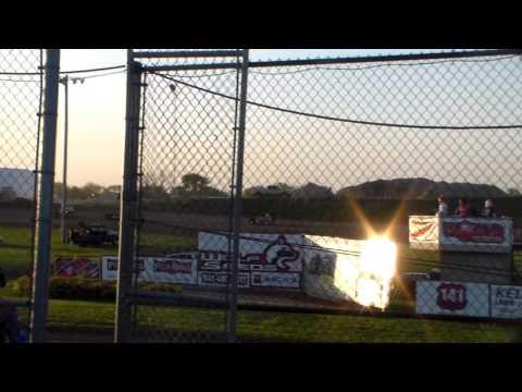 Mod Lite Heat 1 @ Marshalltown Speedway 05/05/17