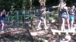 Accrobranche au Camping les Trois sources dans le Lot (Vacances 2013)