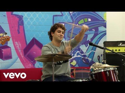 "Elenco de Soy Luna - Alzo Mi Bandera (""Soy Luna"" Momento Musical/Loft)"