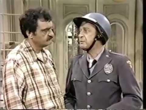 Carter Country S01E20 Roy Pays His Taxes