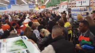 Black Friday fights erupt at Texas Walmart store in the US