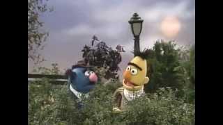 Classic Sesame Street - Bert meets Simon Soundman