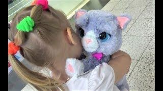 Алиса в ДЕТСКОМ МИРЕ !!! Много игрушек для детей ! A Lot of toys for kids Entertainment for children