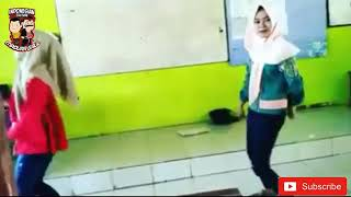 Video Cwek berkerudung joget des tak des download MP3, 3GP, MP4, WEBM, AVI, FLV Juli 2018