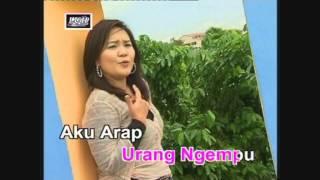 Video Sapa Nama Bujang Nya - Rozlina download MP3, 3GP, MP4, WEBM, AVI, FLV Juli 2018