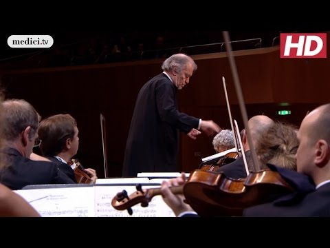 Valery Gergiev - Serenade for Strings - Elgar: MPHIL 360°