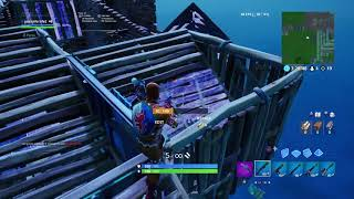 Noob plays (Fortnite) again but on a old account (: