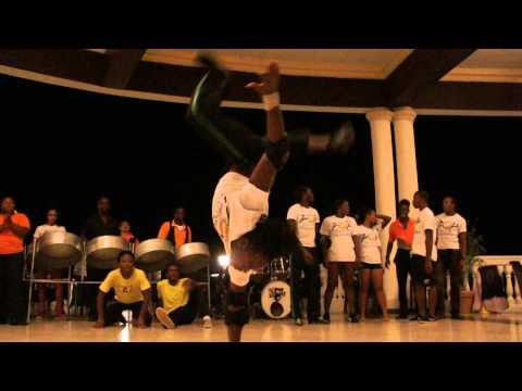 Grand Palladium Jamaica @ Infinity Bar  POP dancers  Amazing!