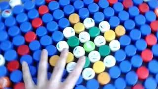 видео Поделки из пробок от пластиковых бутылок