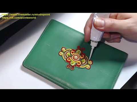 Демонстрация процесса контурной росписи в технике имитация сутажной вышивки