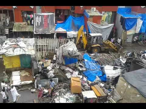 department-demolishing-illegal-house-near-bandra-station-east---1