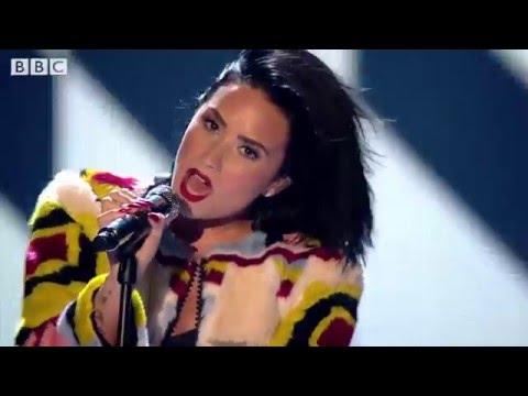Ariana Grande VS Demi Lovato (Live Battle 2015) (HD)